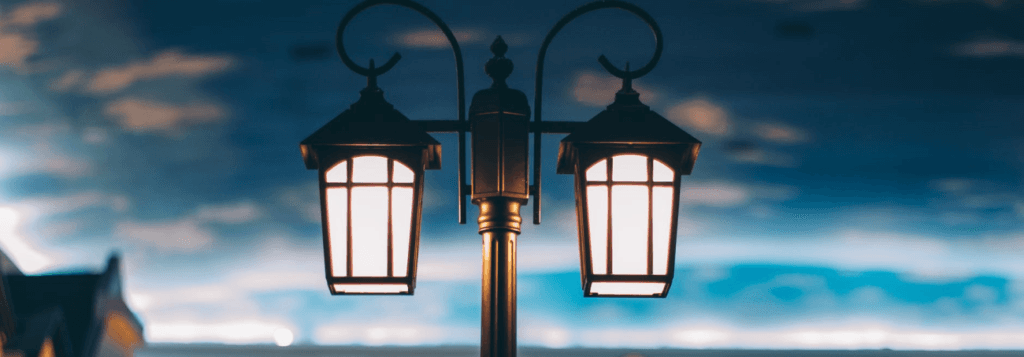Примеруличного фонаря