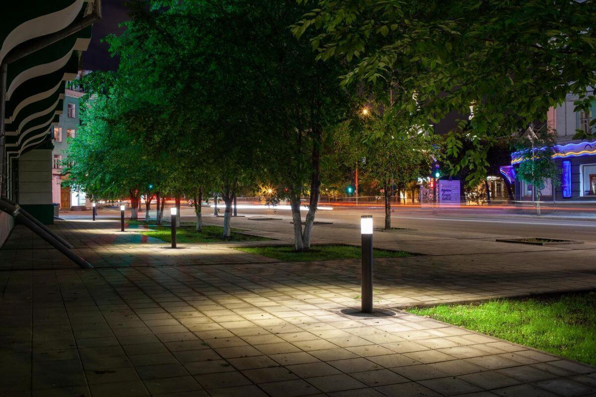 Современное уличное освещения