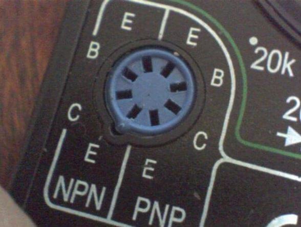Гнезда блока PNP (С - коллектор, Е - эмиттер)